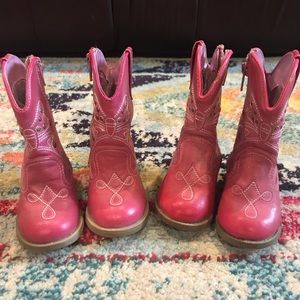 TWINS!! Adorable Pink Cowgirl Boots!